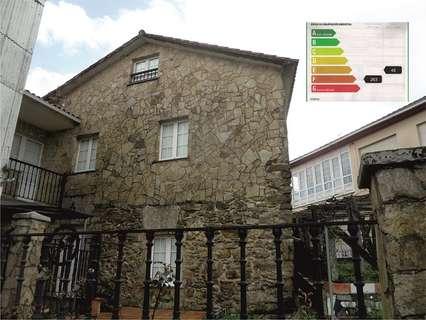 Casa en venta en Noia,  rebajada