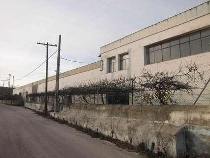 Nave industrial en venta en Valencia de Alcántara, rebajada