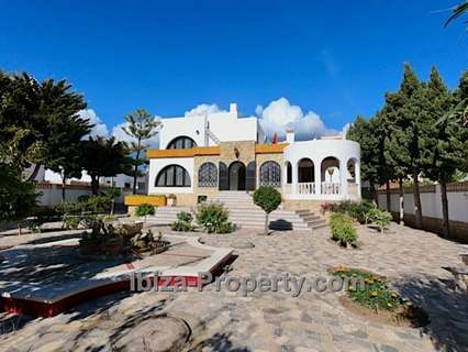 Casa en venta en Sant Josep de sa Talaia, rebajada