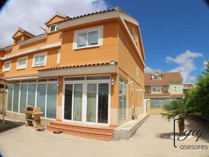 Villa en venta en Arcas del Villar,  rebajada