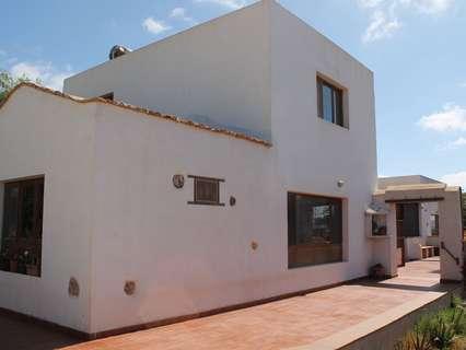 Villa en venta en Antigua zona Triquivijate, rebajada
