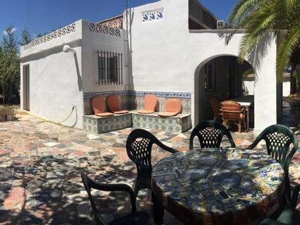 Casa en alquiler en Oliva, rebajada
