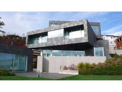 Villa en venta en Sarria