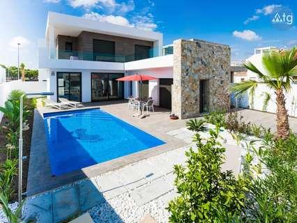 Villas en venta en Pilar de la Horadada